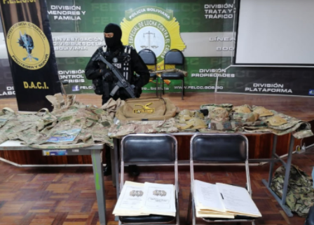 Detienen a falso militar reincidente por delitos de estafa en La Paz