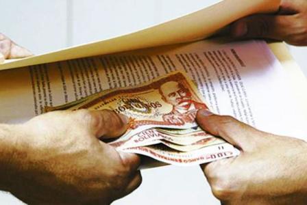 Bolivia-navega-entre-los-mas-corruptos