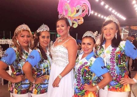 Paula-carnavaleara-con-Las-Ketchups