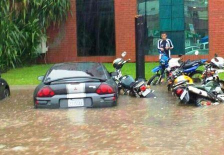 Desastres-naturales,-Santa-Cruz-y-La-Paz-reciben-creditos