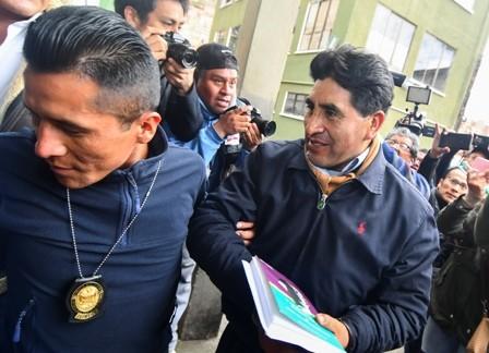 -Cocarico-detenido,-lo-involucran-en-trafico-de-tierra-