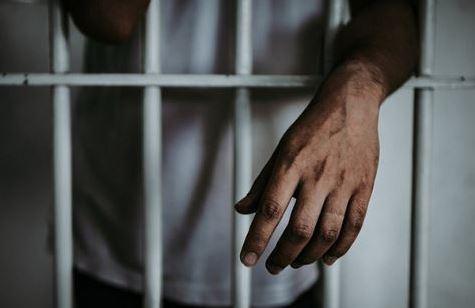 Condenado a 20 años de cárcel por violar a una menor durante 5 años