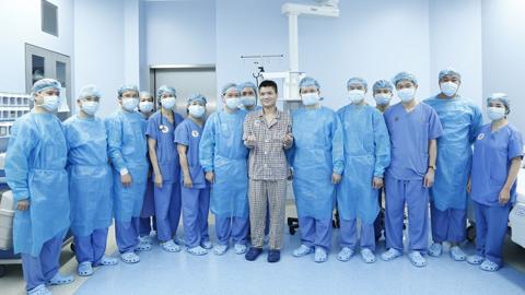 Realizan primer trasplante de brazo entre pacientes vivos