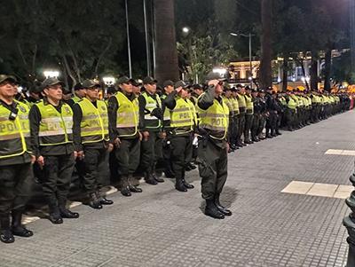 Policia-aclara-que-quienes-porten-su-credencial-y-su-uniforme-de-trabajo-podran-circular-durante-la-cuarentena