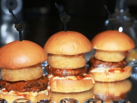 El-sabor-de-unas-mini-hamburguesas-