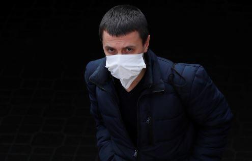 Explican el inusual síntoma del coronavirus de la pérdida del olfato