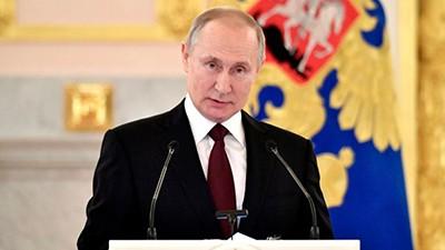 Vladimir-Putin-decreto-asueto-con-salario-durante-todo-abril-para-contener-el-coronavirus