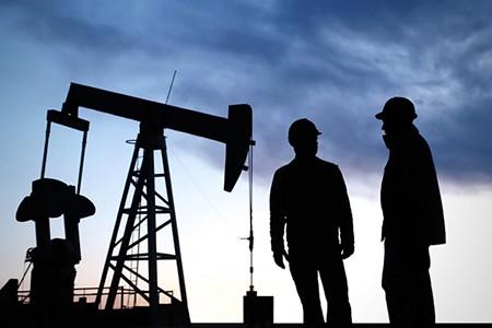 El-precio-del-petroleo-sube-un-30%-esta-jornada