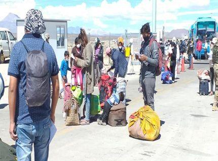 Bolivianos-repatriados-cumpliran-14-dias-de-cuarentena-en-Pisiga
