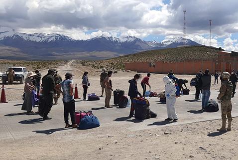 Repatrian a 480 bolivianos y los ponen en cuarentena