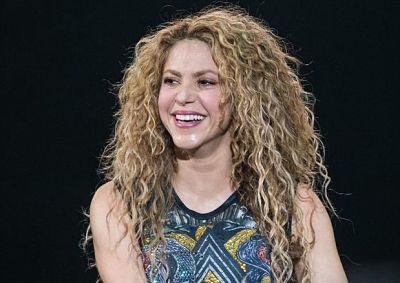 -Shakira-dona-miles-de-mascarillas-y-10-respiradores-a-su-ciudad-natal-en-Colombia-