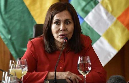 Longaric analiza la destitución del Cónsul de Bolivia en Barcelona