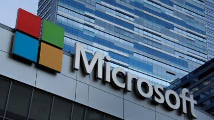 Microsoft-despide-a-docenas-de-empleados-y-los-reemplaza-con--robots-