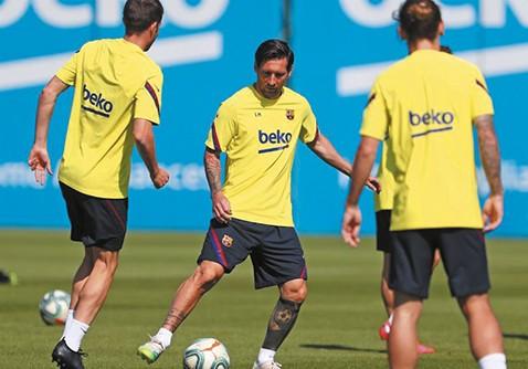 Messi,-la-gran-duda-para-el--retorno-de-la-Liga-por-molestias