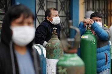 Peru-sufre-un-grave-deficit-de-oxigeno-en-medio-de-la-pandemia-del-covid-19