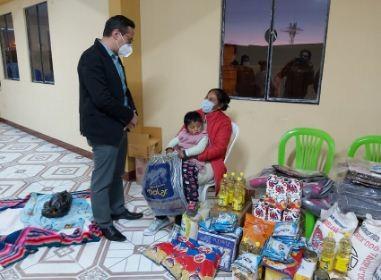 Justicia-y-Gestion-Social-entregan-viveres-y-alimentos-a-la-familia-de-Esther