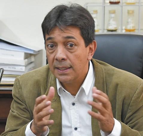 Ministro-Zamora-citado-por--adjudicaciones-irregulares