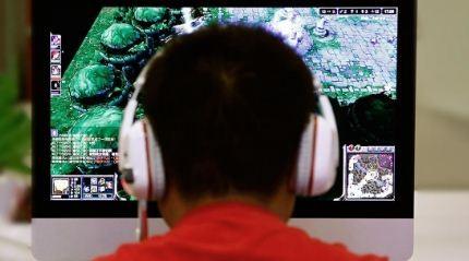 Sufre-un-derrame-cerebral-tras-jugar-a-videojuegos-22-horas-al-dia-durante-un-mes