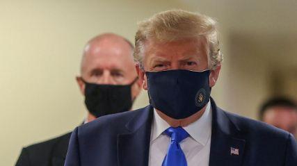 Trump-aparece-por-primera-vez-en-publico-con-mascarilla