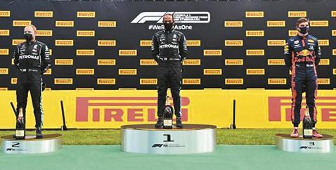 Lewis-Hamilton-gano-el-GP-de-Estiria