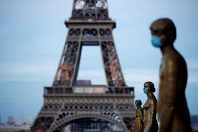 Francia-ordena-llevar-mascarilla-en-lugares-publicos