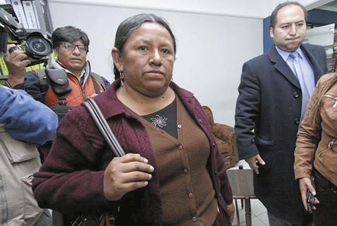 Nemesia Achacollo obtiene arresto domiciliario