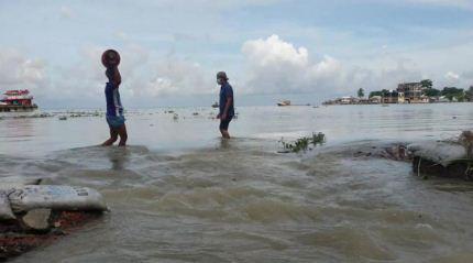 Una-cuarta-parte-de-Banglades-se-hunde-bajo-el-agua-debido-a-lluvias-torrenciales