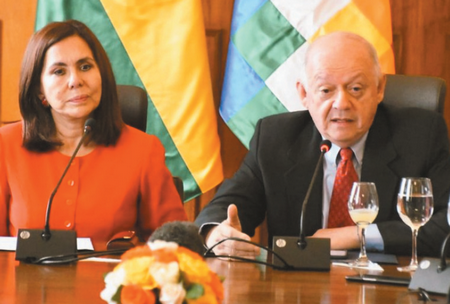 Bolivia-cuestiona-a-senadores-de-EE.-UU.