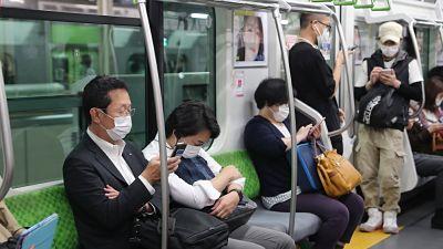 Japón supera los 1.000 casos por cuarto día seguido y cunde la alarma