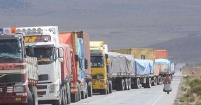 Transporte-pesado-pide-a-bloqueadores-tregua-para-retornar-a-sus-lugares-de-origenenes