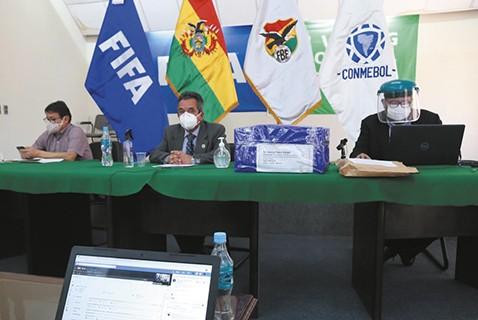 Tres-empresas-van-por-derechos-de-TV-que-Bolivar-califica-de-ilegal