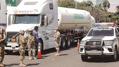 Gobierno-preve-que-convoy-de-cisternas-de-oxigeno-lleguen-hasta-el-viernes-a-La-Paz
