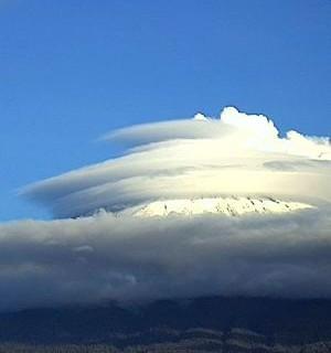 Captan-extranos-sonidos-parecidos-a-la-turbina-de-un-avion-provenientes-del-volcan-Popocatepetl-en-Mexico