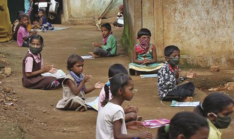 Mundo enfrenta 'catástrofe generacional' en educación