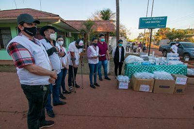 Camacho lleva donaciones a San Ignacio y San Matías
