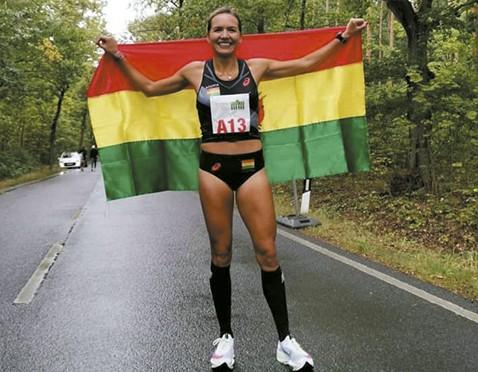 Tania-Chavez-rompe-record-nacional-de-10K
