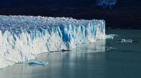 Descubren canales en el fondo marino debajo de un glaciar antártico del tamaño de Gran Bretaña