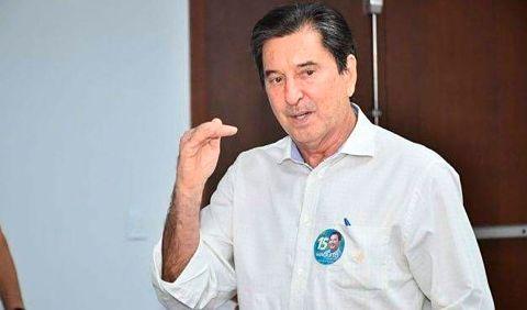 Murió el alcalde brasileño que fue elegido mientras estaba intubado por Covid-19