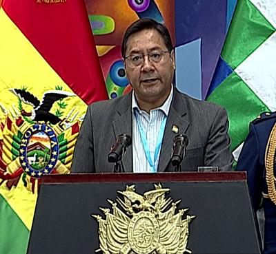 Bolivia suscribe contrato para adquirir 5 millones de dosis de la vacuna de AstraZeneca