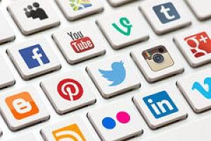 Las--big--(Facebook,-Twitter,-Google,-Instagram,-Youtube,-WhatsApp)-son-las-trincheras-de-la-tercera-guerra-mundial