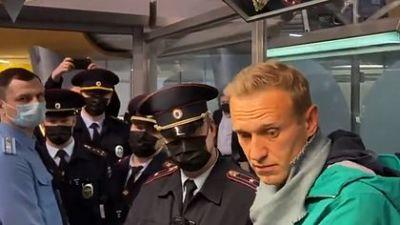 El opositor Navalny comparece ante un juez que se pronunciará sobre su detención