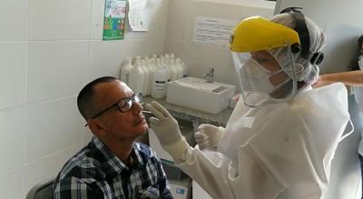 Santa Cruz: 11 centros de salud realizan pruebas masivas de antígeno nasal