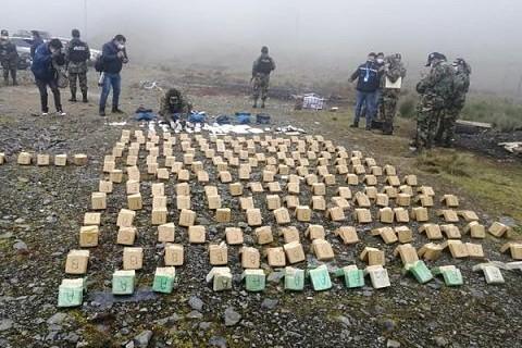 Incineran-mas-de-218-kilos-de-droga-en-los-Yungas