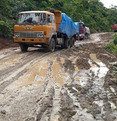 Gobierno anuncia la inversión de Bs 6.722 millones para 35 obras camineras
