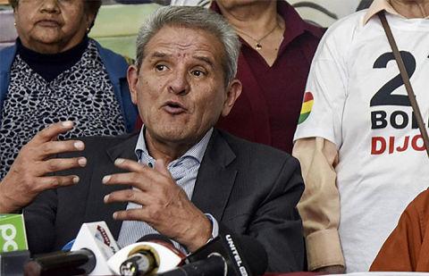 Actores políticos destacan aporte de Rolando Villena en la lucha por la democracia y DDHH