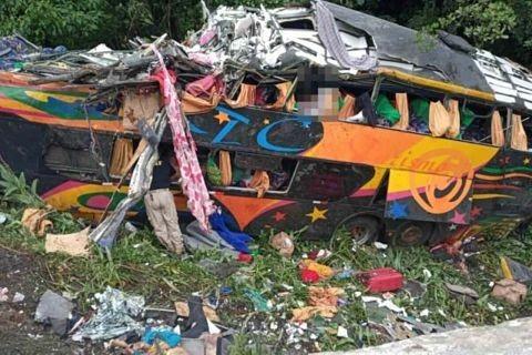 Accidente-en-el-sur-de-Brasil-deja-21-muertos