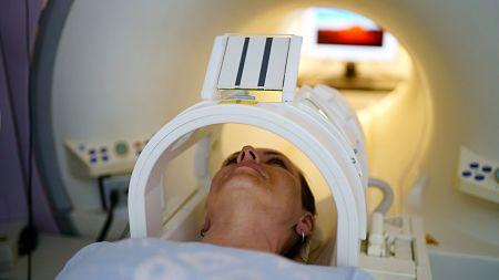 Cáncer: un nuevo tratamiento destruyó tumores en enfermos terminales y aumentó la sobrevida