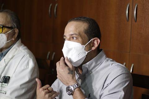 Camacho dice que no puso ningún ministro y le pide a Del Castillo dejar el show