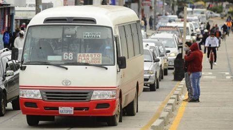 Autorizan-circulacion-vehicular-las-24-horas-del-dia-en-Santa-Cruz-desde-el-viernes