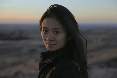 Chloé Zhao hace historia en los Globos de Oro